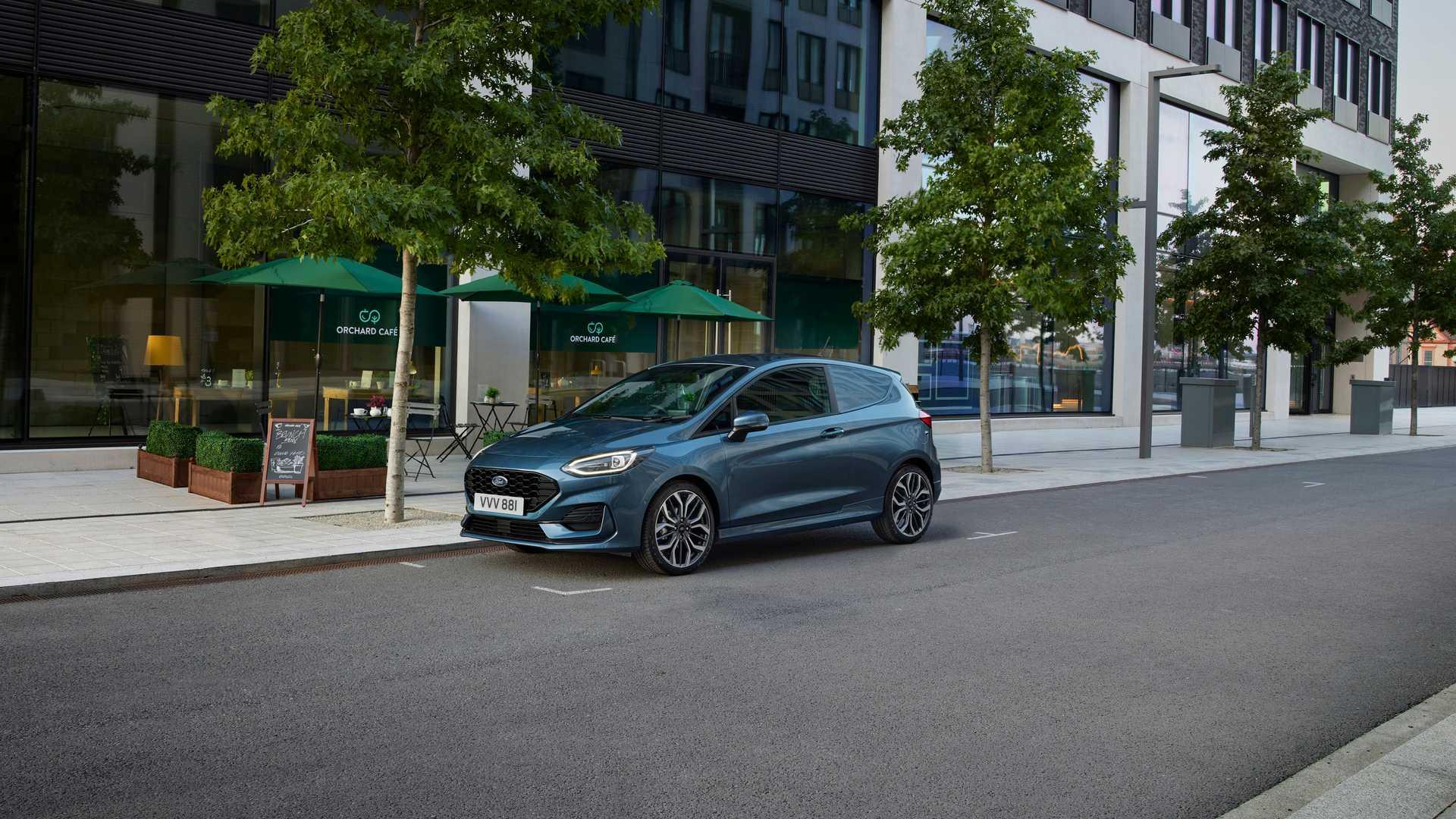 2022-ford-fiesta-van-facelift-2.jpg