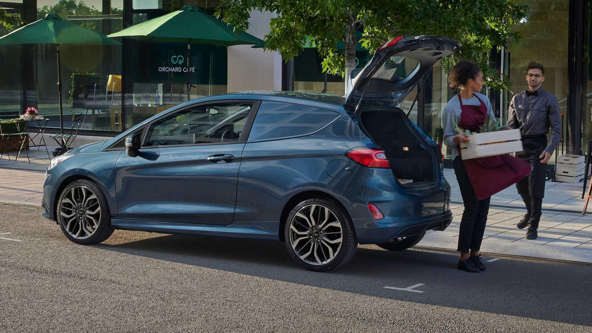 2022-ford-fiesta-van-facelift-5.jpg